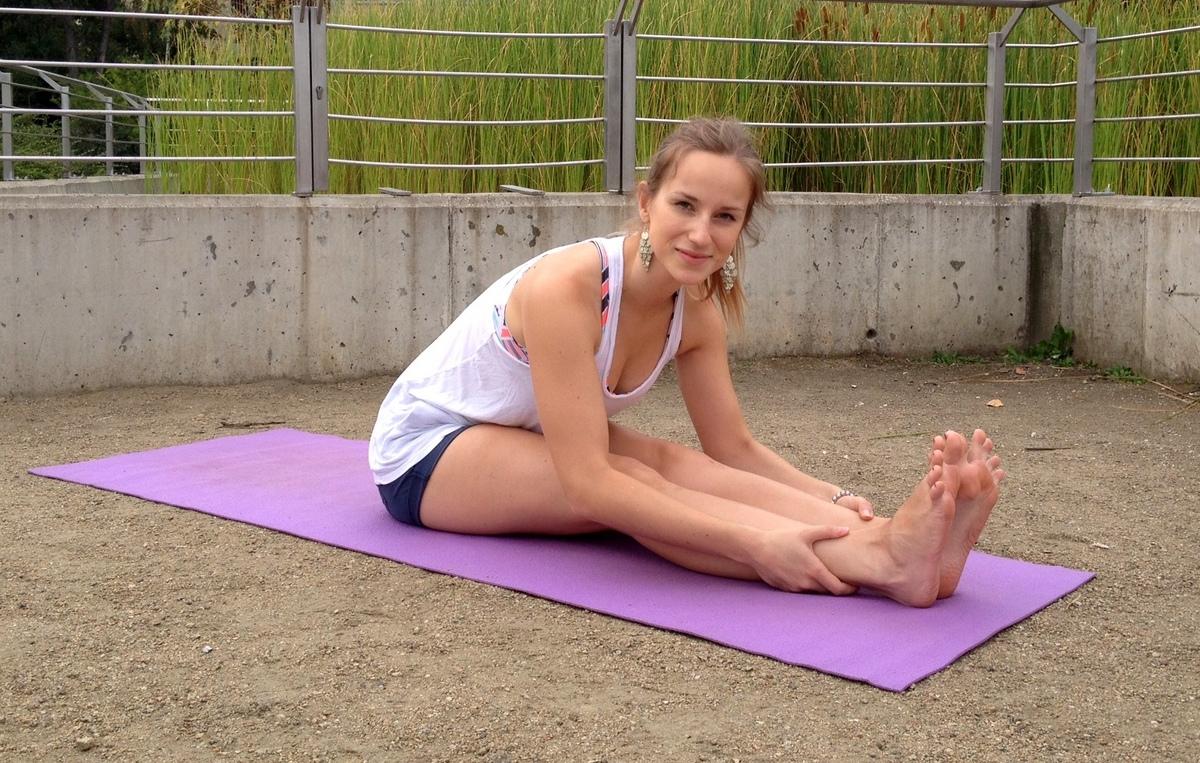 Kilka pozycji na rozciąganie nóg