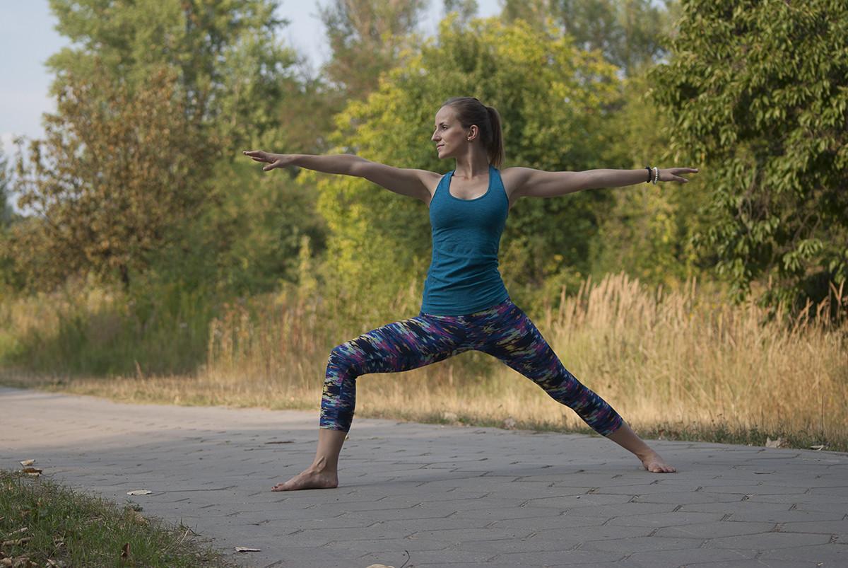 Joga – bezpieczna i efektywna #3 – Pozycje stojące 1